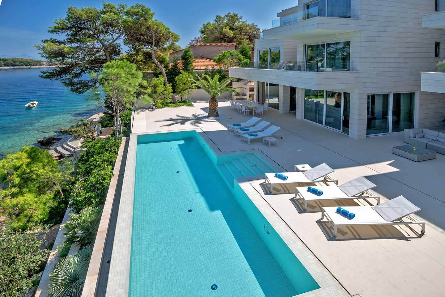 Luxury Villa Madelaine