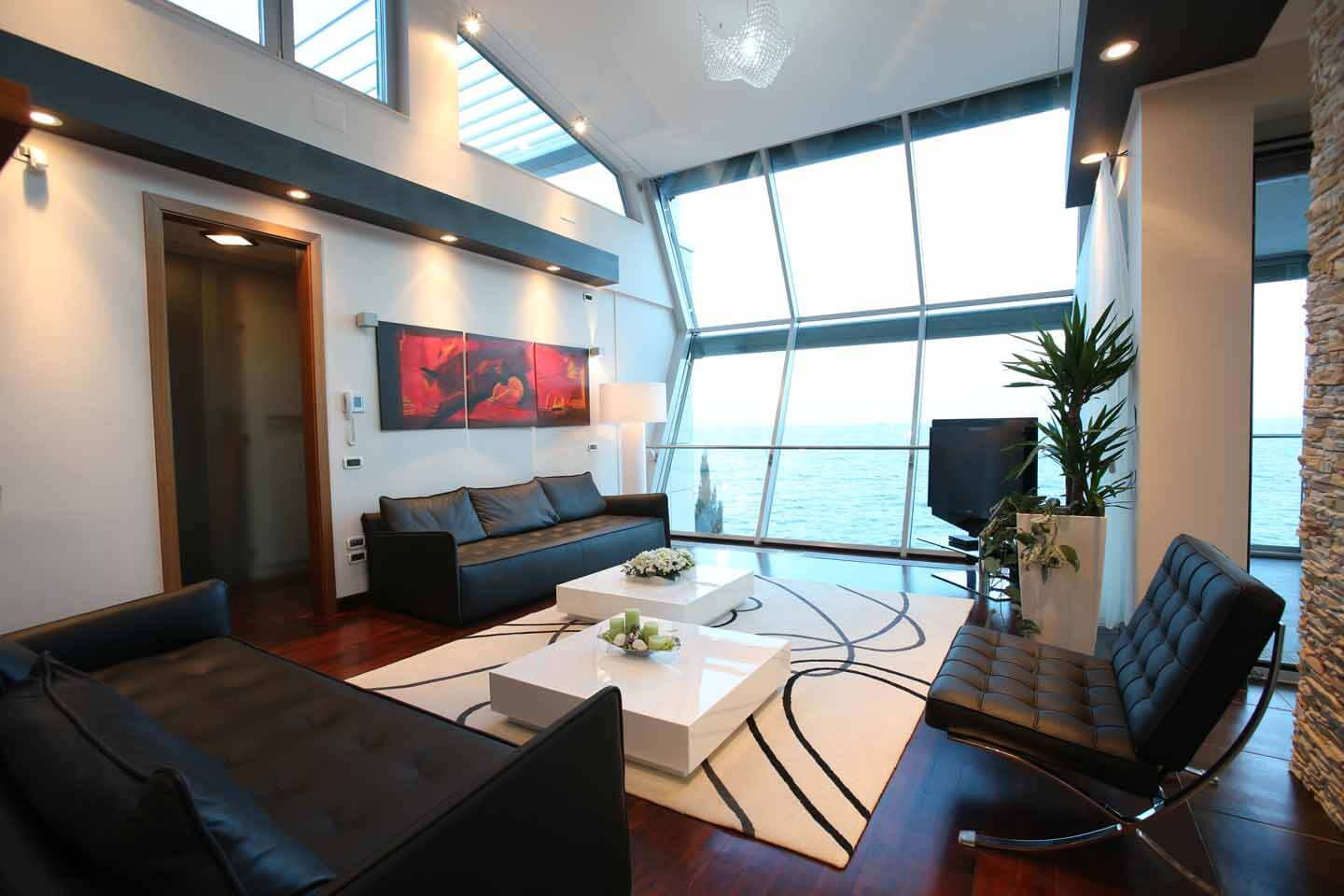 Apartment 2 - living room with sea view