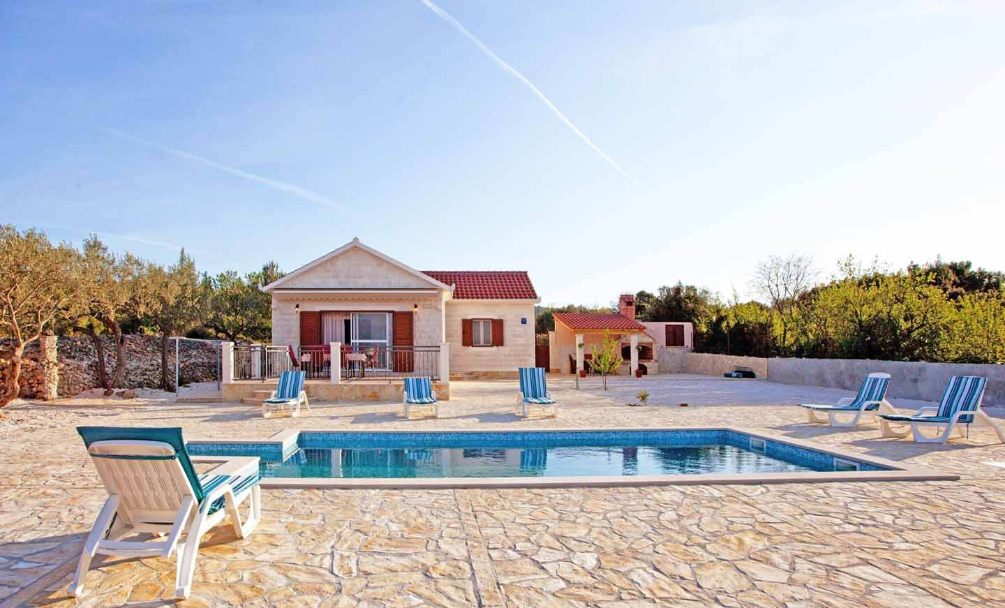 Villa and swimming pool