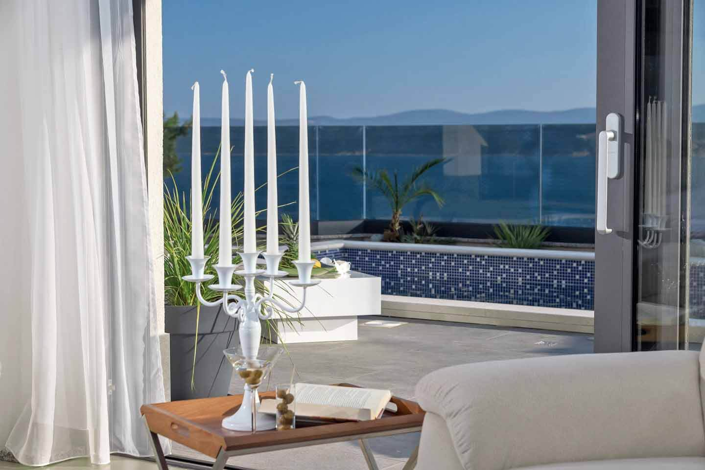 Terrace acces and sea view