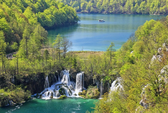 Waterfalls in Plitvice lakes